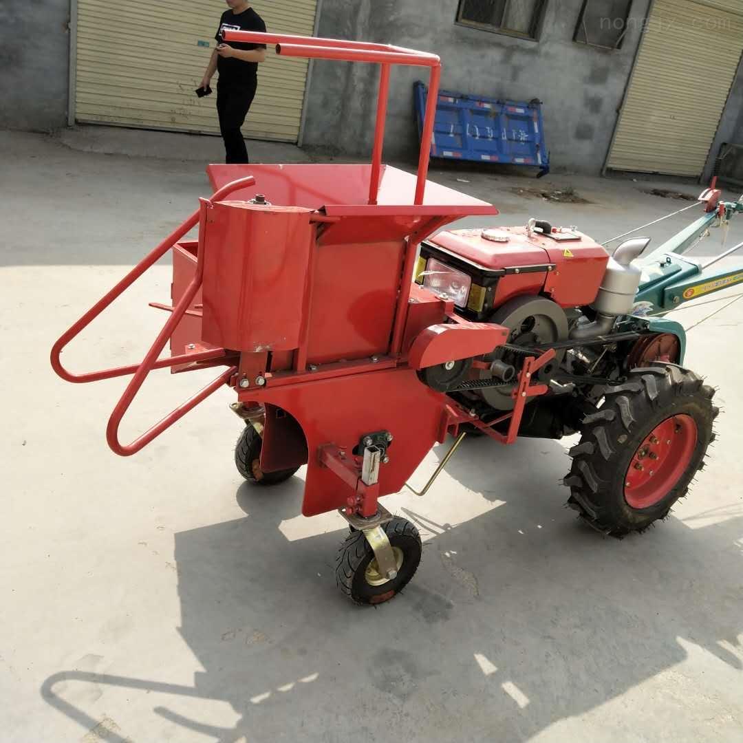 呼和浩特四轮车带玉米联合收割机苞米掰棒机