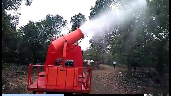 金鹿自走式喷雾机