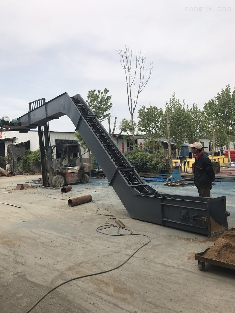 全新刮板輸送機定制軸承密封 水泥粉刮板機