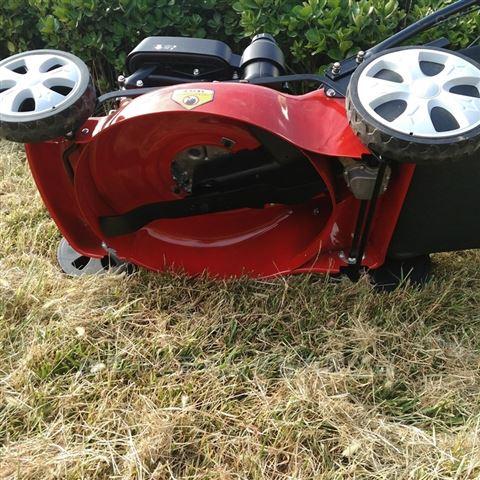 轻便操作简单剪草机 大功率自走式草坪机