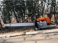 挖树工人用挖树机 3分钟起一棵树用起树机